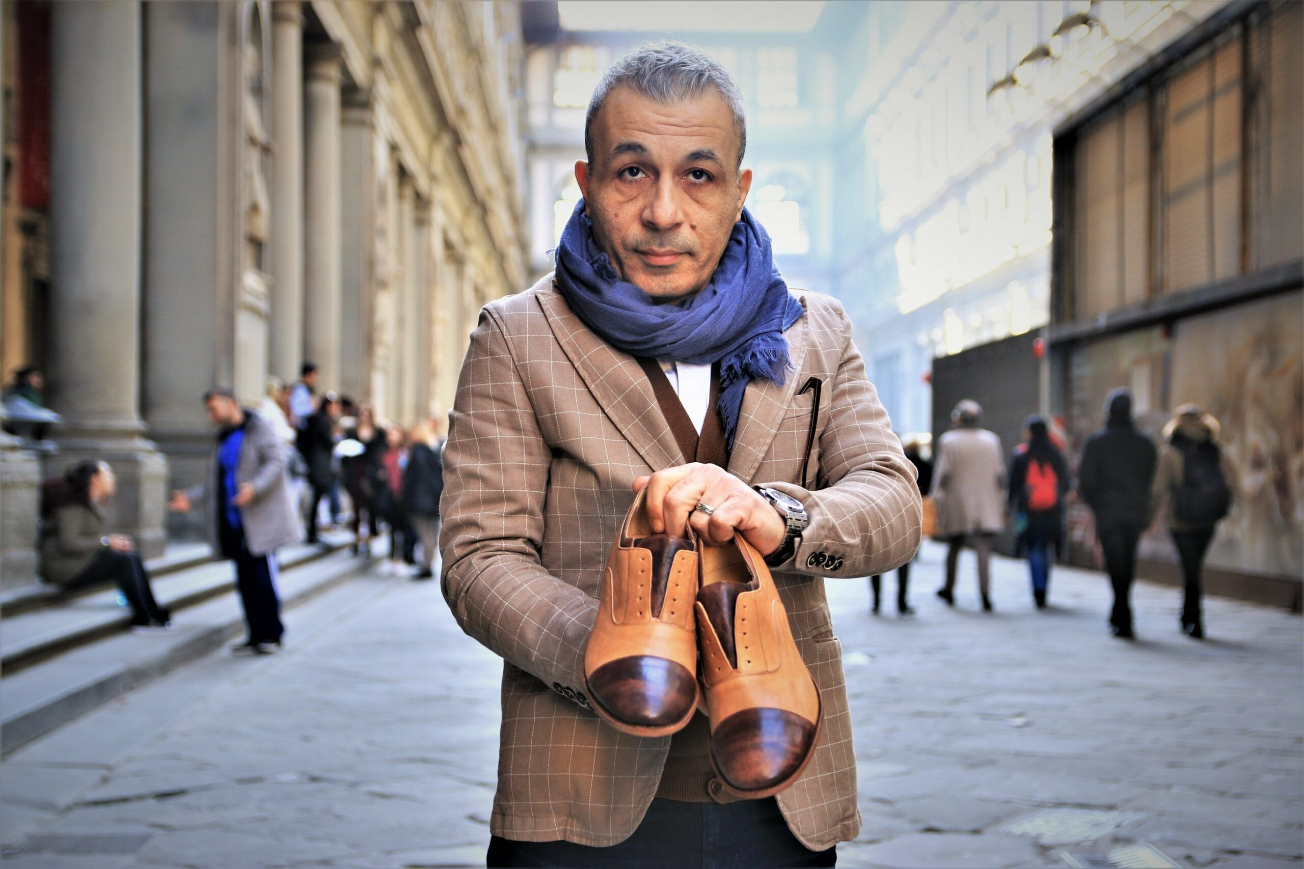 copertina leonardo shoes