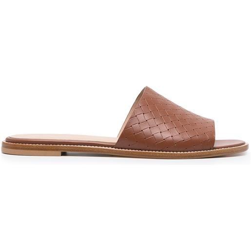 Peserico sandali con suola piatta - marrone